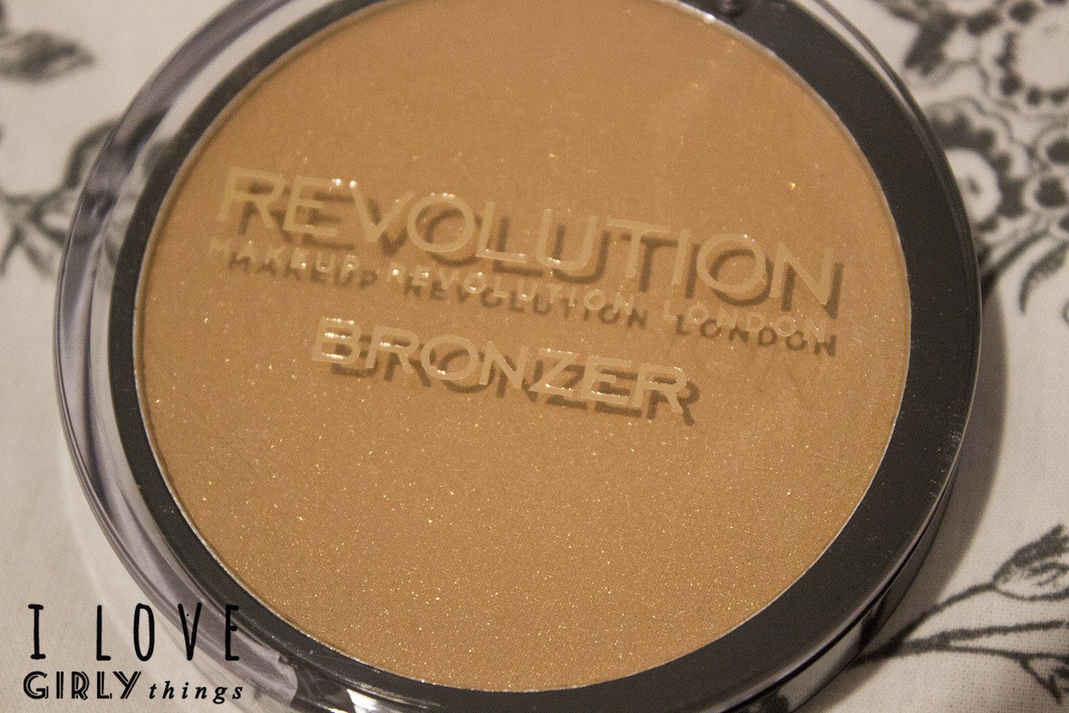 bronzer_makeup_revolution